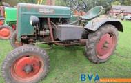 Hela 2WD Traktor.