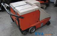 1 Elektro-Hallen-Kehrmaschine Gutbrod B900 E