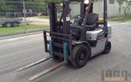 2005 Nissan F92YL02A25 Cushion Tire Forklift